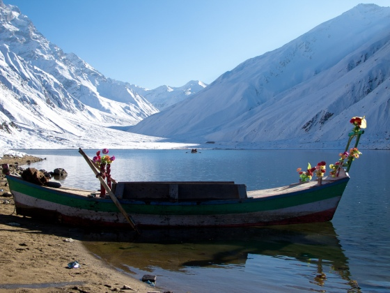 Lake Saiful-Muluk in the winter